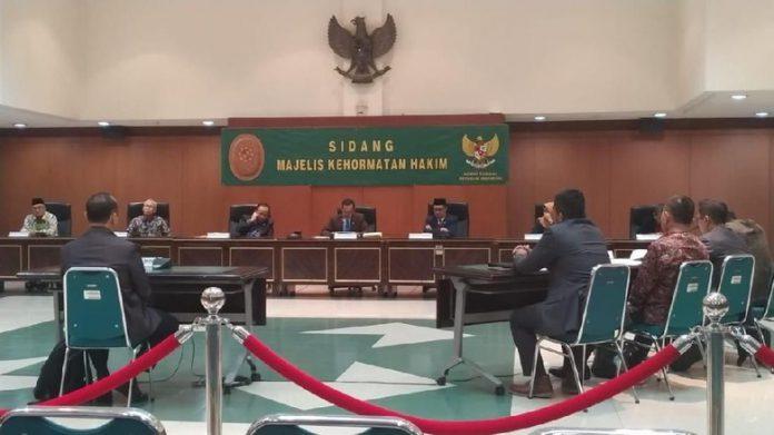 hakim militer dipecat gara gara selingkuh